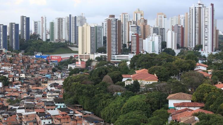 Proprietários de imóveis que quitarem o IPTU em cota única terão direito a 10% de desconto sobre o imposto - Foto: Joá Souza | Ag. A TARDE