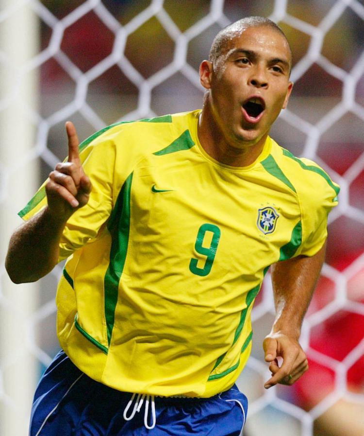 Ronaldo Fenômeno foi três vezes melhor jogador do mundo - Foto: Jerry Lampen | Reuters