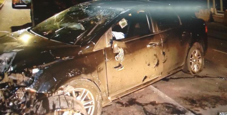 Veículo capotou e bateu em um poste; motorista foi socorrido pelo Samu - Foto: Reprodução   TV Record