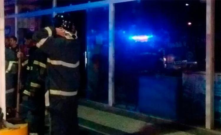 Fogo foi controlado na madrugada desta segunda-feira - Foto: Divulgação | Corpo de Bombeiros
