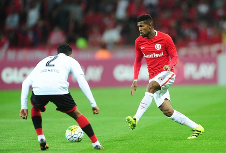 Jogando pelo Internacional, Geferson, de apenas 22 anos, chegou a ser convocado para a Seleção - Foto: Ricardo Duarte l S.C. Internacional l Divulgação