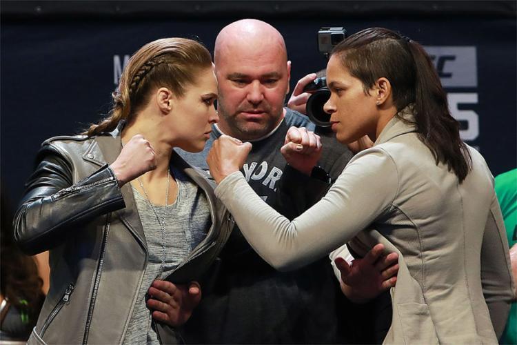 A norte-americana (E) enfrentará a baiana Amanda Nunes nesta sexta-feira, em Las Vegas - Foto: Zuffa LLC l Getty Images