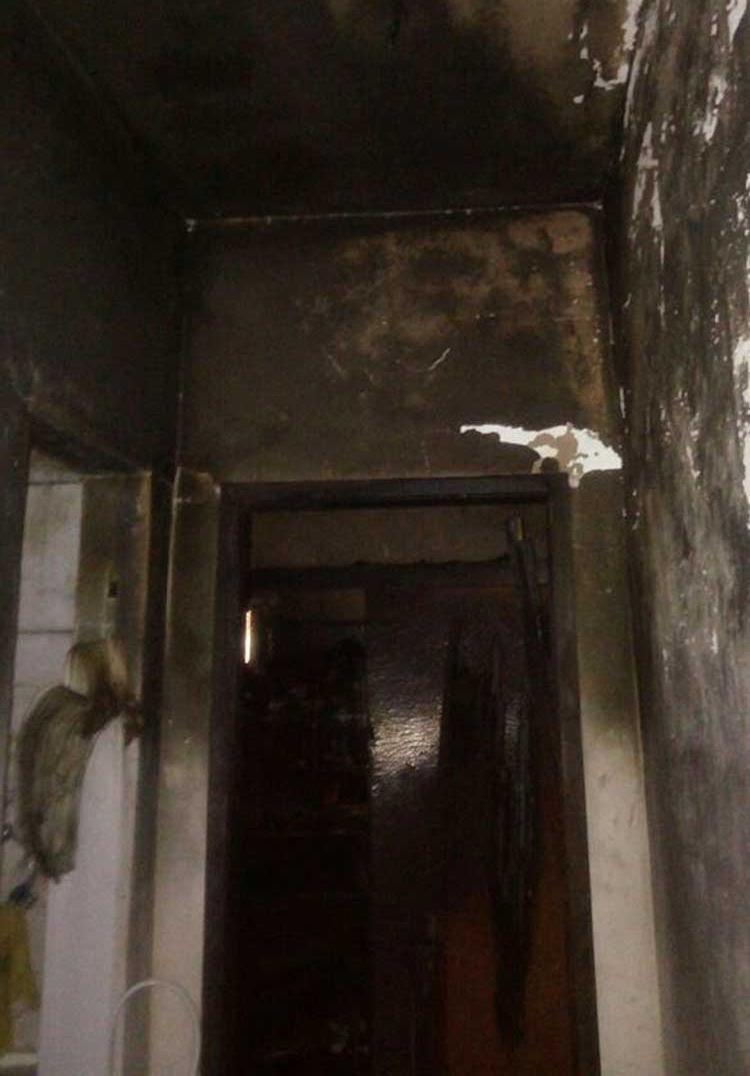 Incêndio atingiu quarta e banheiro da casa - Foto: Divulgação | Corpo de Bombeiros
