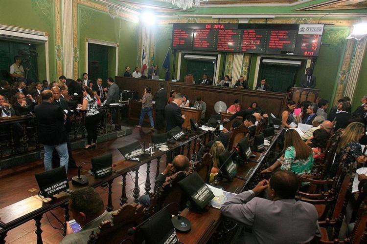 Projeto de lei apresentado pelo vereador Maurício Trindade propõe regulamentação do serviço na capital - Foto: Mila Cordeiro l Ag. A TARDE
