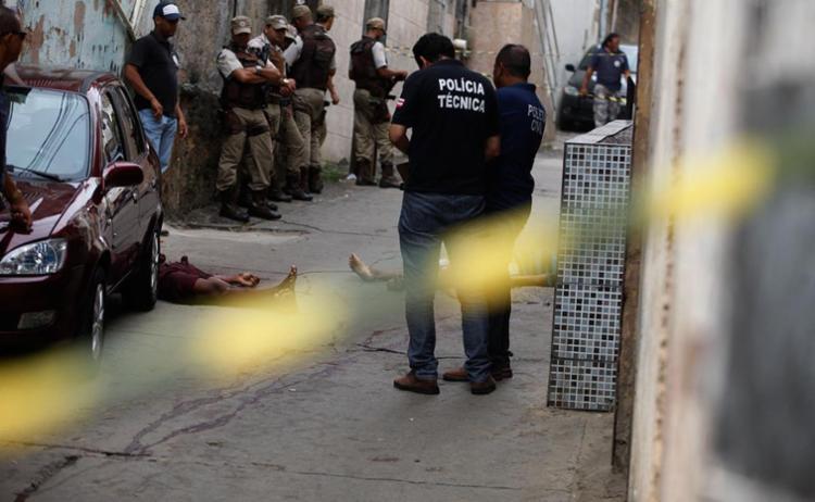 Crime aconteceu na rua Ipiranga, no Vale das Pedrinhas - Foto: Lúcio Távora | Ag. A TARDE