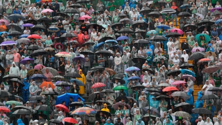 Lotada, Arena Condá recebe corpos para funeral coletivo em Chapecó - Foto: AFP