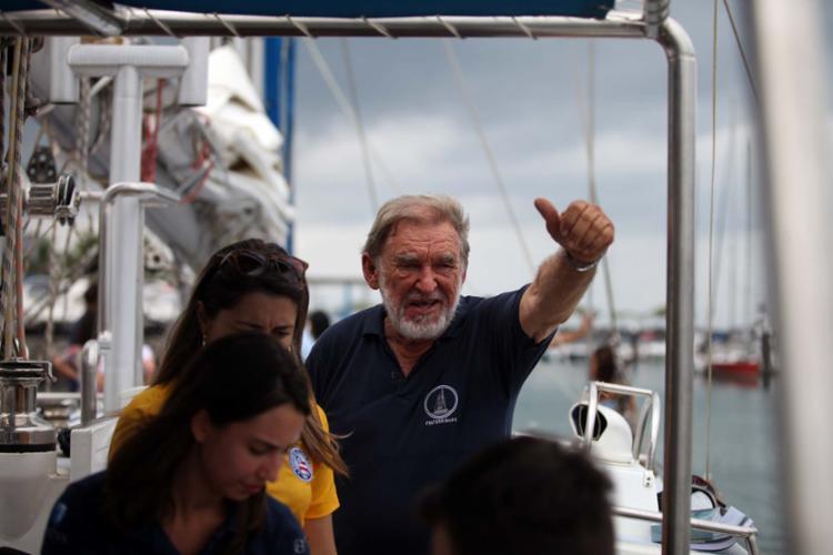 Navegador partiu de Salvador no veleiro Escola Fraternidade - Foto: Raul Spinassé | Ag. A TARDE