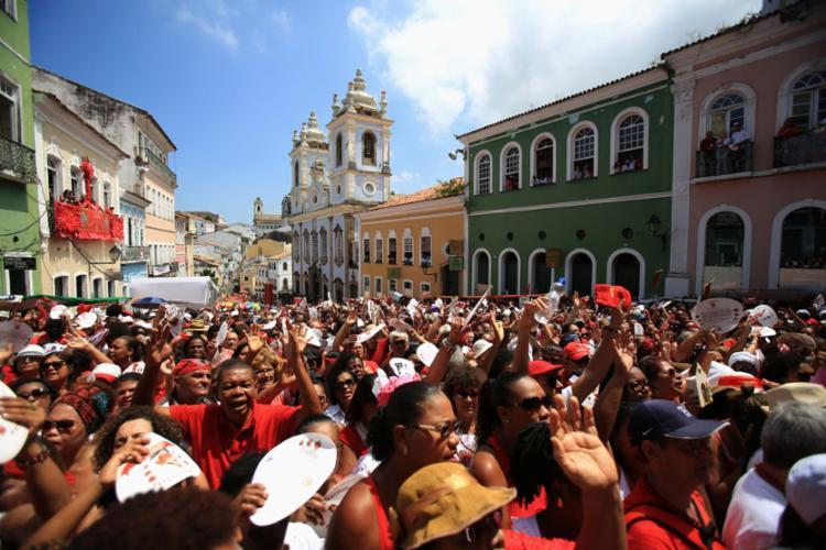 A festa também conta com shows no Pelourinho, movimentando todo o Centro Histórico - Foto: Joá Souza | Ag. A TARDE | 04.12.2015