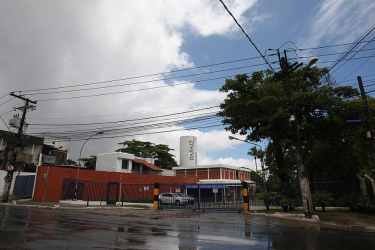 Centro logístico vai ser construído no mesmo terreno onde está instalada a fábrica de cadeados - Foto: Raul Spinassé l Ag. A TARDE