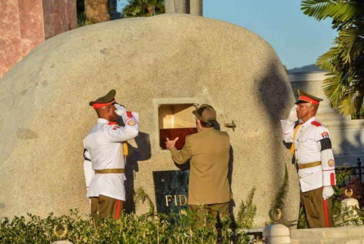 Fidel Castro foi cremado e colocado dentro de uma pedra oval, em Cuba - Foto: Marcelino Vazquez | AIN | AFP
