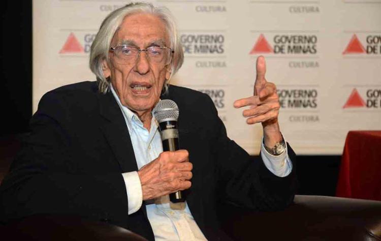 Poeta morreu neste domingo, 3, em decorrência de uma pneumonia - Foto: Renato Cobucci | Imprensa - MG