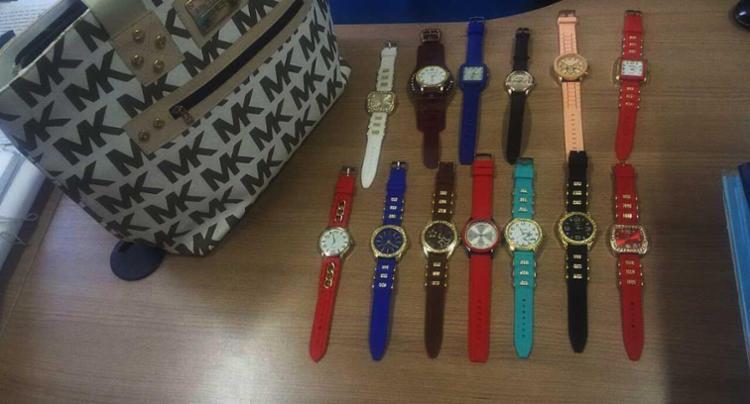 Bolsas e relógios apreendidos nesta segunda-feira, 5 - Foto: Ascom | Polícia Civil
