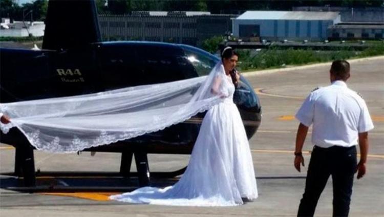 Noiva queria surpreender o noivo ao chegar de helicóptero no casamento - Foto: Reprodução