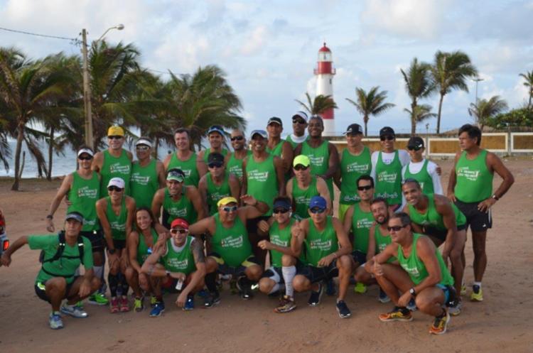 Turma de atletas e amigos após treino preparatório para a corrida - Foto: Divulgação