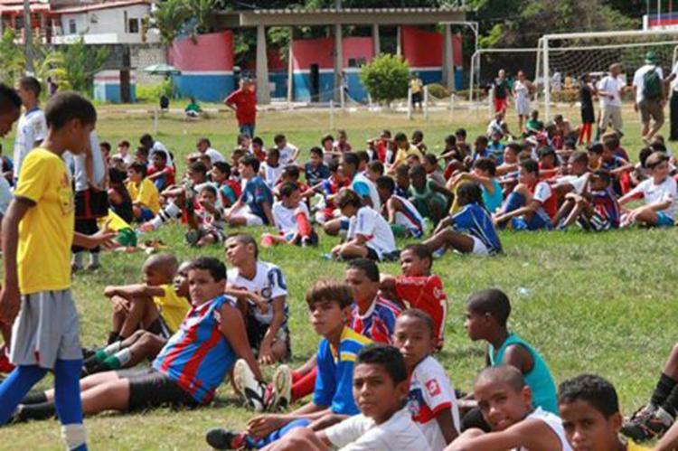 Os garotos devem levar material esporte e carteira de identidade - Foto: Reprodução | Facebook | EC Bahia