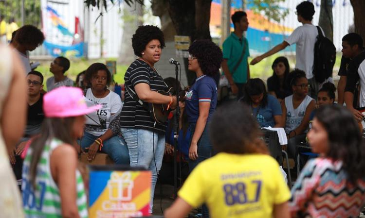 No colégio Central, em Nazaré, a descontração ficou por conta de uma banda formada pelos próprios estudantes - Foto: Raul Spinassé | Ag. A TARDE