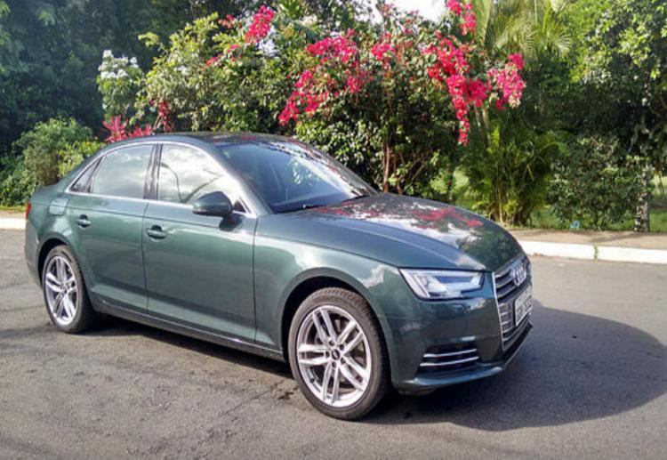 A 9° geração do sedã da Audi tem motor 2.0 Turbo FSI de 190 cavalos, e cockpit similar ao do esportivo TT - Foto: Roberto Nunes / Ag. A Tarde