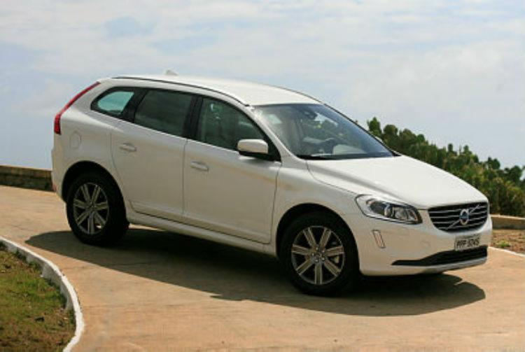 A Volvo tem a opção do motor 2.4 com 220 cv nas duas versões do crossover - Foto: Edilson Lima / Ag. A Tarde