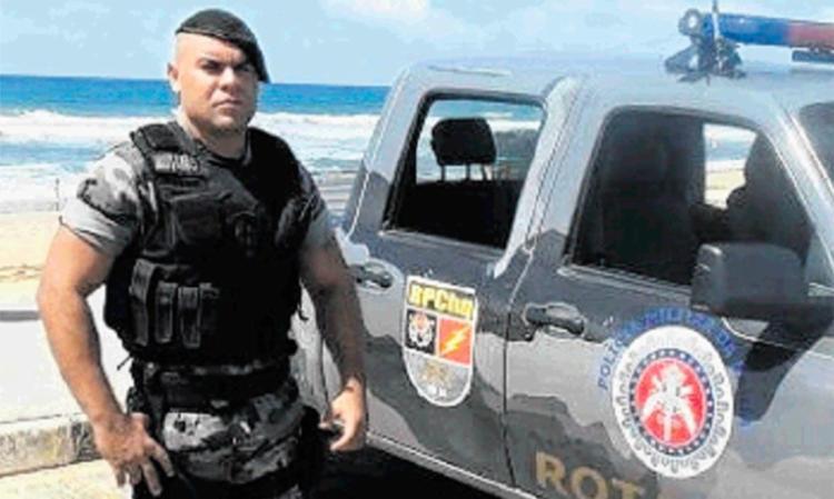 Márcio, 33, tentou impedir roubo em ponto de ônibus. Nenhum suspeito foi preso - Foto: Reprodução   Facebook