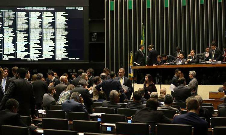 O Plenário da Câmara dos Deputados analisa a MP 746/16, que trata da reforma do ensino médio - Foto: Fabio Rodrigues Pozzebom | Agência Brasil