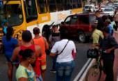 Colisão com cinco veículos deixa motociclista ferido na Suburbana | Foto:
