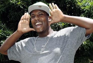 MC Beijinho: dono de hit, polêmica e restrição judicial