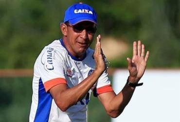 Buscando reformular sua base, Leão mostra interesse em técnicos do Bahia