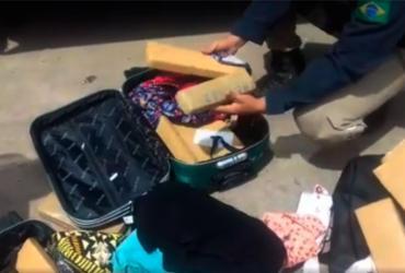 PRF prende mulher transportando 25 kg de maconha para Salvador