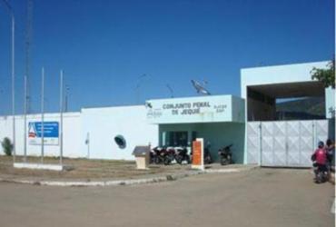 Cinco presos do regime semiaberto fogem de Conjunto Penal de Jequié