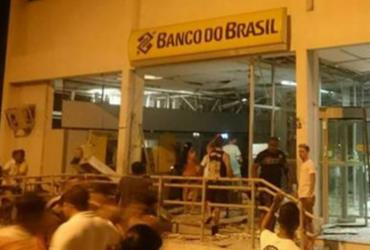 Grupo explode agência do Banco do Brasil e faz reféns em Carinhanha