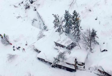 Avalanche atinge hotel e deixa mortos na Itália, segundo socorrista