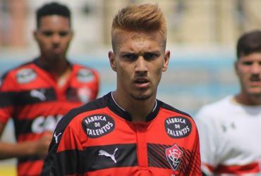 Garoto Jhemerson começa 2017 com destaque no Vitória