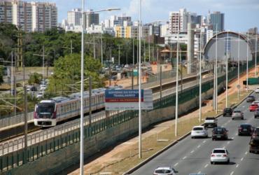 Metrô faz primeira viagem-teste na avenida Paralela