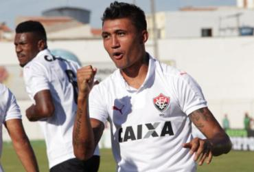 Leão vence o Juazeirense com dois gols de Kieza na estreia do Baianão