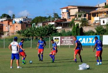 Bahia treina com bola pela primeira vez em 2017