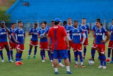 Meia Zé Rafael já treina com o time no Fazendão