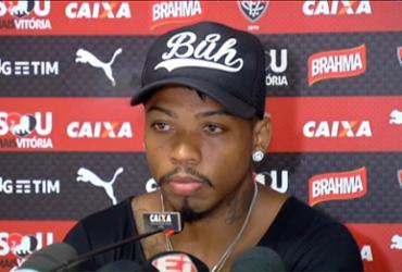 Marinho faz pronunciamento de despedida, mas clube exige multa contratual