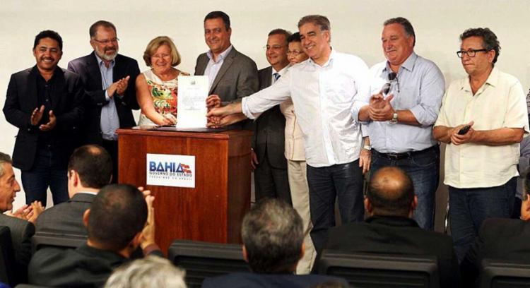 Protocolos de intenções foram assinados nesta terça - Foto: Mateus Pereira | GovBa