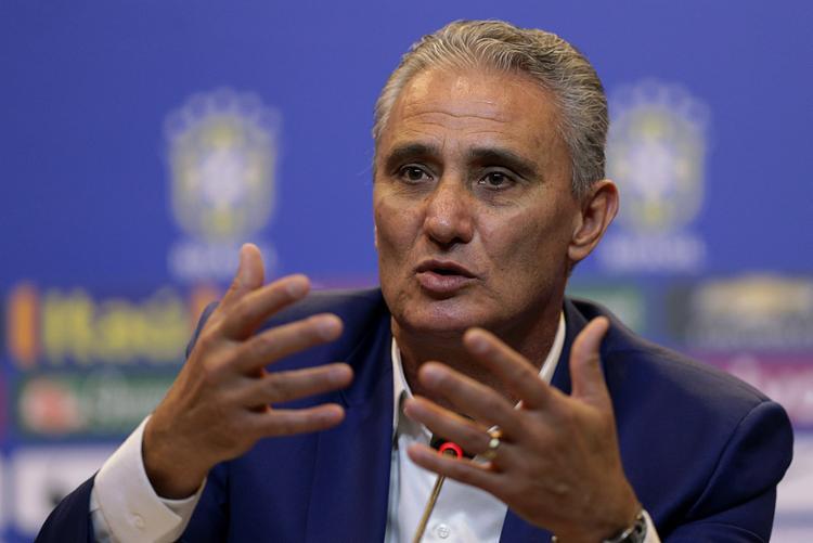 Tite vê o jogo com a Colômbia como chance de avaliar novos jogadores - Foto: Ueslei Marcelino l Reuters l 22.8.2016