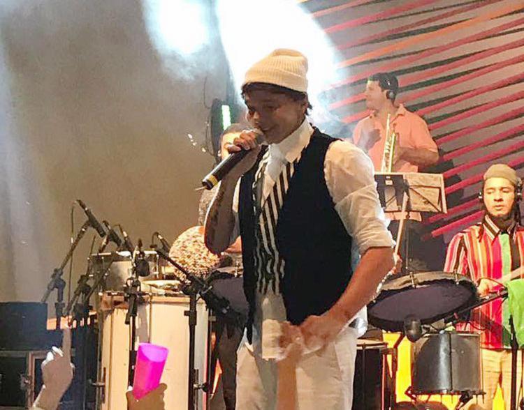 Netinho durante apresentação no Rio de Janeiro antes do show do Réveillon - Foto: Reprodução | Facebook