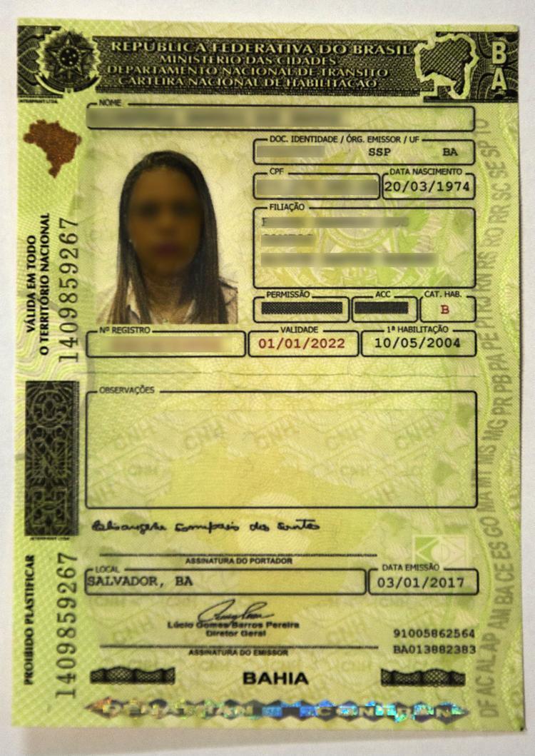 Carteira traz itens de segurança que facilitam a fiscalização contra fraudes - Foto: Dante Fabiano / Divulgação Detran