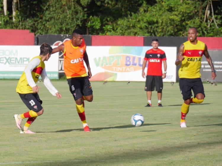 O time fez um treino técnico com bola nesta quarta-feira, 11 - Foto: R. Santin | EC Vitória