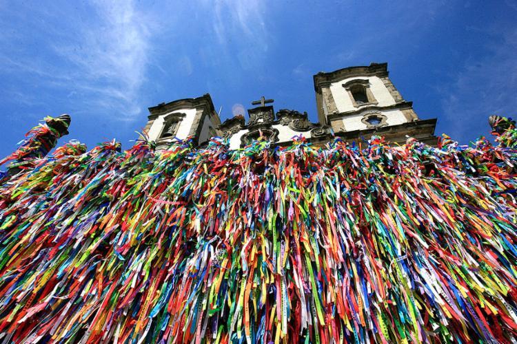 O ponto alto da Lavagem do Bonfim, que é a chegada do cortejo das baianas na Colina Sagrada, está previsto para às 12h - Foto: Luciano da Matta l Ag. A TARDE