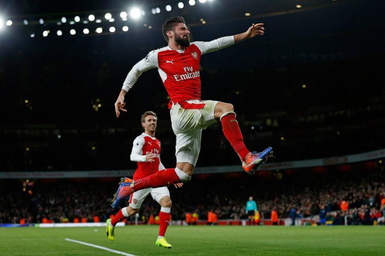 Atacante francês abriu caminho para a vitória do Arsenal por 2 a 0 - Foto: Ian Kington l AFP