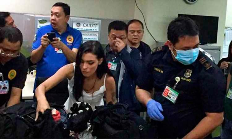 Oficiais filipinos descobriram cocaína escondida em um travesseiro levado por Yasmin - Foto: Reprodução | BBC News