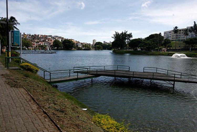 Garoto morreu afogado no Dique do Tororó - Foto: Raul Spinassé | Ag. A TARDE | 16/03/15