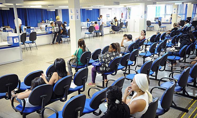 Em função do INPC, a correção desses benefícios ficará acima do reajuste do salário mínimo - Foto: Fabio Rodrigues Pozzebom | Agência Brasil