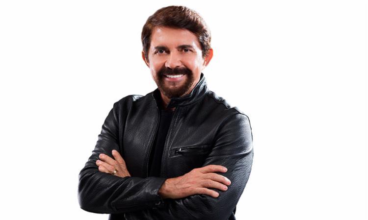 Adelmário Coelho vai apresentar grandes sucessos da carreira - Foto: Divulgação