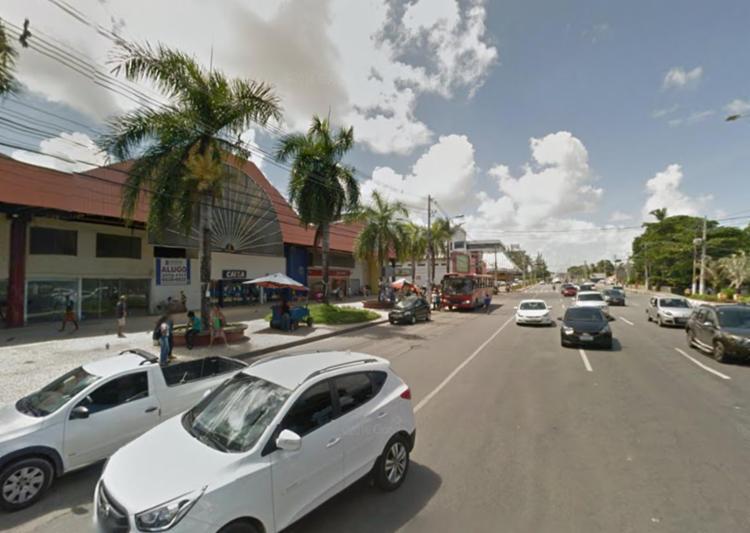 Crime aconteceu na BA-099, próximo ao Shopping & Feira, em Lauro de Freitas - Foto: Reprodução | Google Maps