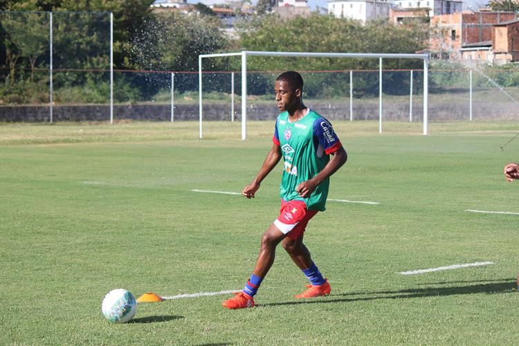 O volante já vinha treinando no Fazendão desde a semana passada - Foto: Divulgação l EC Bahia